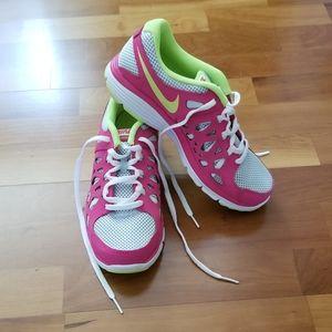 Nike Dual Fusion Run 2 Athletic Running Shoes